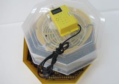 Полуавотматичен инкубатор за  41/60 яйца с термометър