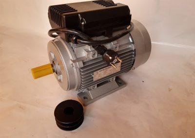 Монофазен електромотор 2,2 кв. 3000 оборота алуминиев  корпус