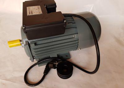 Монофазен електромотор 2,2 кв. 3000 оборота чугунен корпус